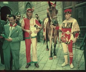 1949-3 LUGLIO BAZZA LIRIO QUINTO DURANTE IL GIRO IN CITTA'