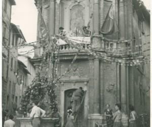 1954- 8 SETTEMBRE ADDOBBO DELLA MADONNA AL BIVIO PER LA FESTA DEI TABERNACOLI