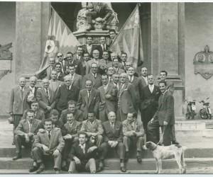 1956-21 OTTOBRE BANCHETTO CHIUSURA ANNO CONTRADAIOLO GRUPPO IN POSA